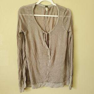 We The Free Gray VNeck Long Sleeve Sweater XS